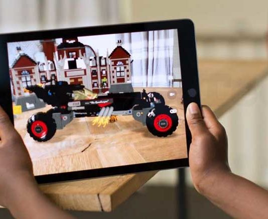 Apple Already Takes a Lead in Augmented Reality