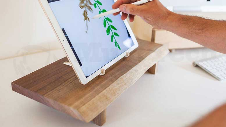 Understands Brings Nature to Your Desk with the Evo and Butler